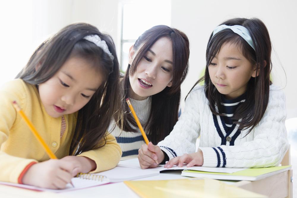 小学生に英語を教える時に効果的な学習方法 | EIKARA