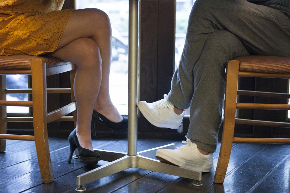 留学先でデートする日本人カップル